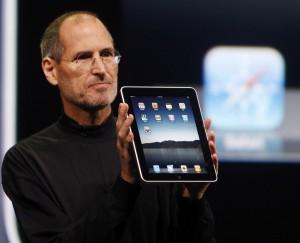 Steve Jobs est l'inventeur de la tablette tactile, bien qu'il ne croyait pourtant pas au projet (au début).