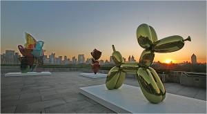 Une oeuvre de Koons sur le toit du MOMA à New-York