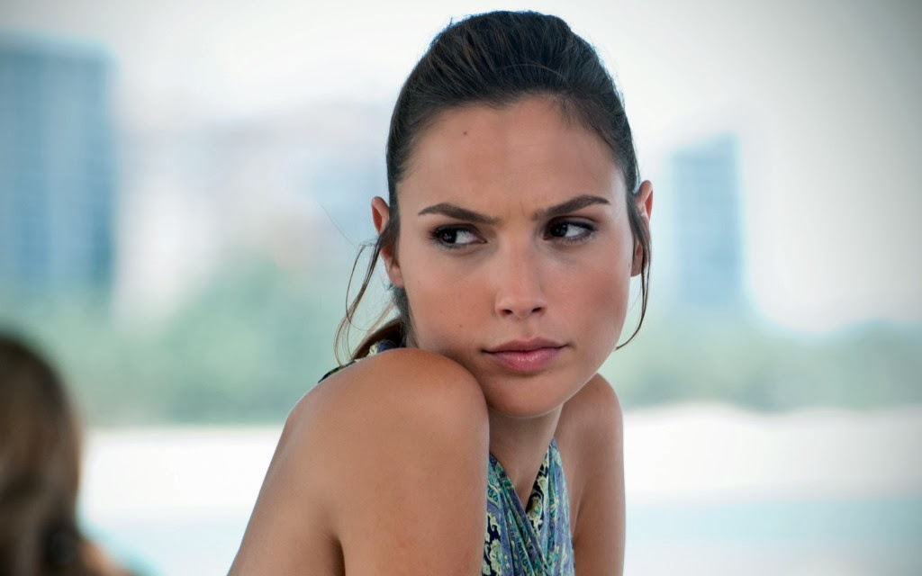 la belle Gal Gadot wallpaper 1024x640