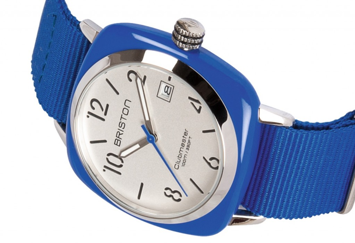 Briston montre ete bleu