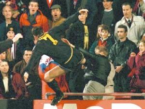Eric Cantona en mode Kung Fu
