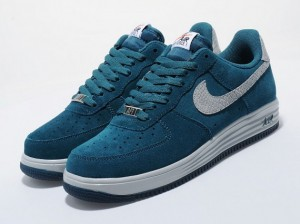 nike-lunar-force-1-reflect-teal-silver-1-570x425