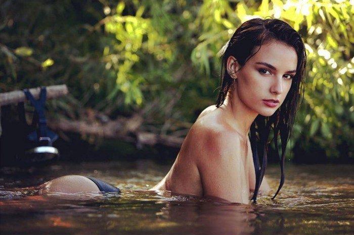 Jade Leboeuf seins nues