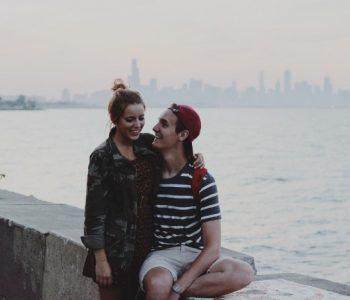 Cinq façons de surprendre une fille lors d'un premier rendez-vous